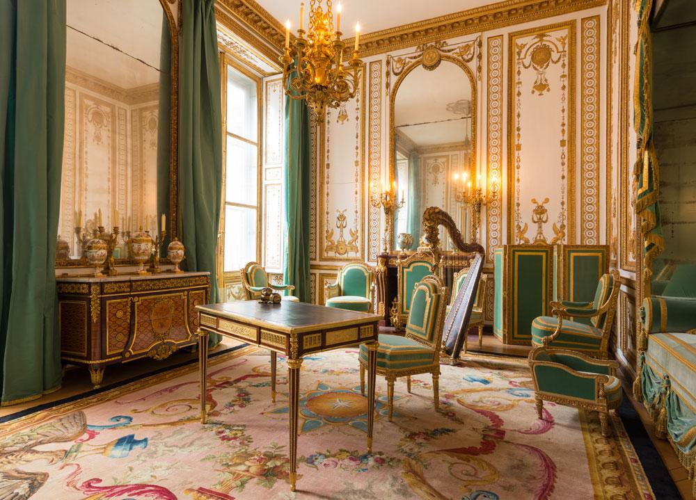 Пускат туристите в апартаментите на Версай от 16 април